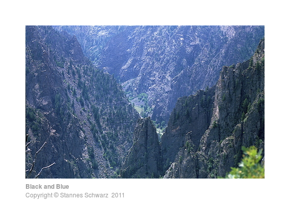 Black and Blue, Blick in den Black Canyon