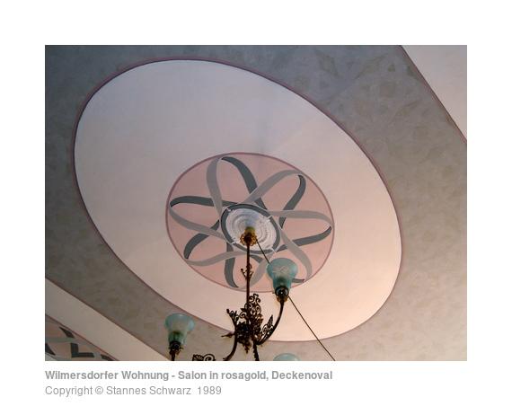 Wilmersdorfer Wohnung - Salon in rosagold, Deckenoval ...